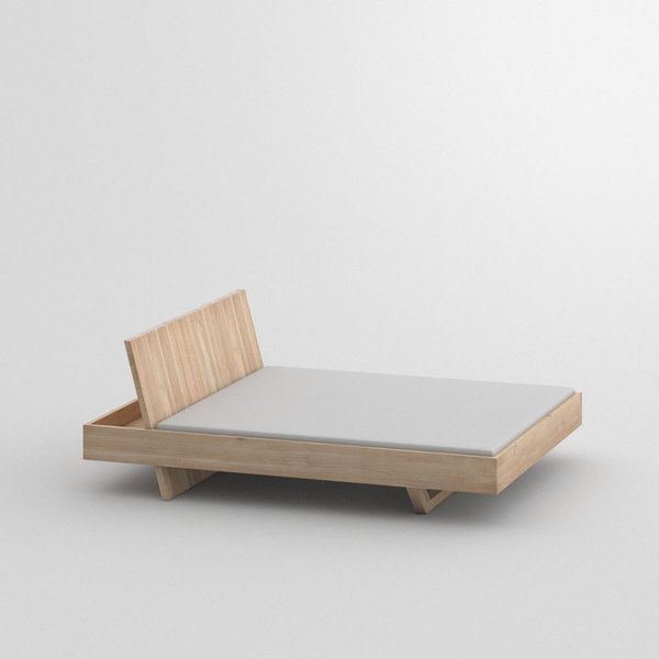 Design Solid Wood Bed SOMNIA custom made in Solid oak, chalked by vitamin design