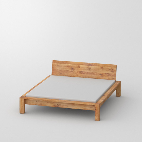 Rustic Oak Bed TAURUS custom made in Solid knotty oak, oiled by vitamin design